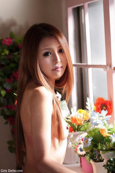 Худая молодая японка - фотография 9