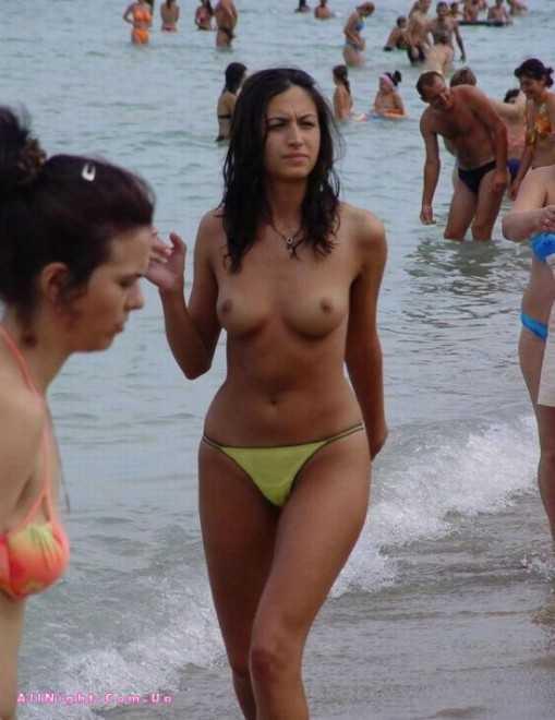 Девушки на пляже фото интим эротика № 9