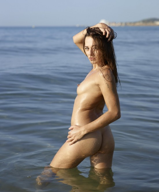 Голые девушки нудистки фото № 2