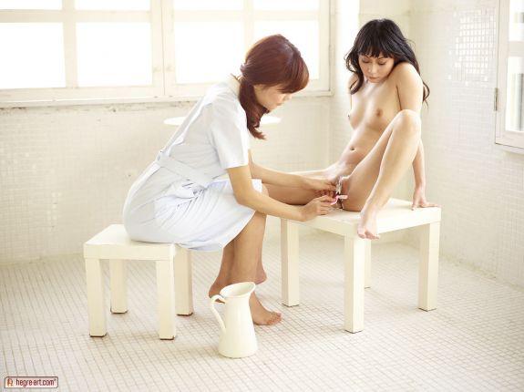 Восточная девушка готовится к аборту - фото 10