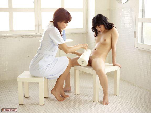 Восточная девушка готовится к аборту - фото 11