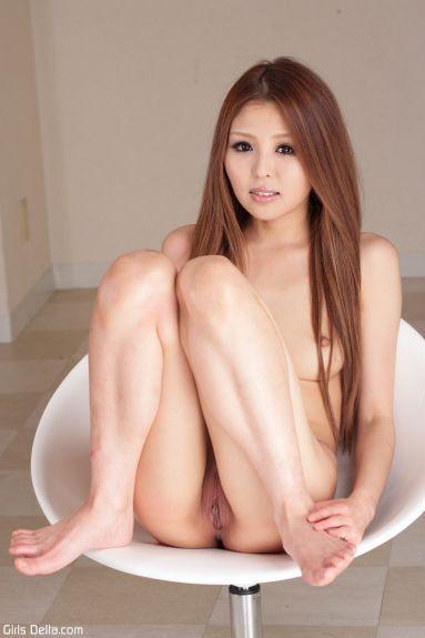 Худая молодая японка - фотография 38