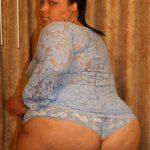 Негр трахает жирную мулатку