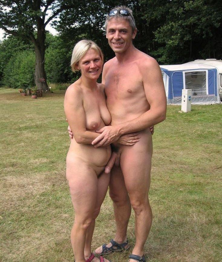 Зрелые и старые нудисты, интим фото 2