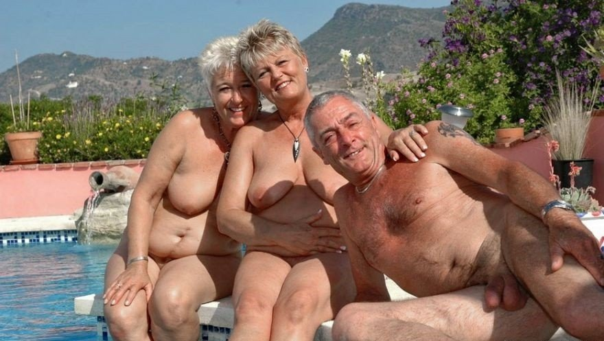 Зрелые и старые нудисты, интим фото