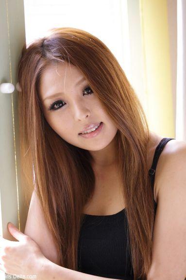 Худая молодая японка - фотография 48