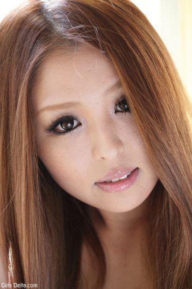 Худая молодая японка - фотография 1