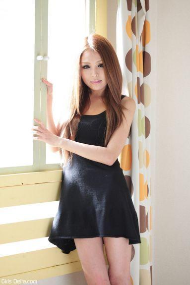 Худая молодая японка - фотография 47