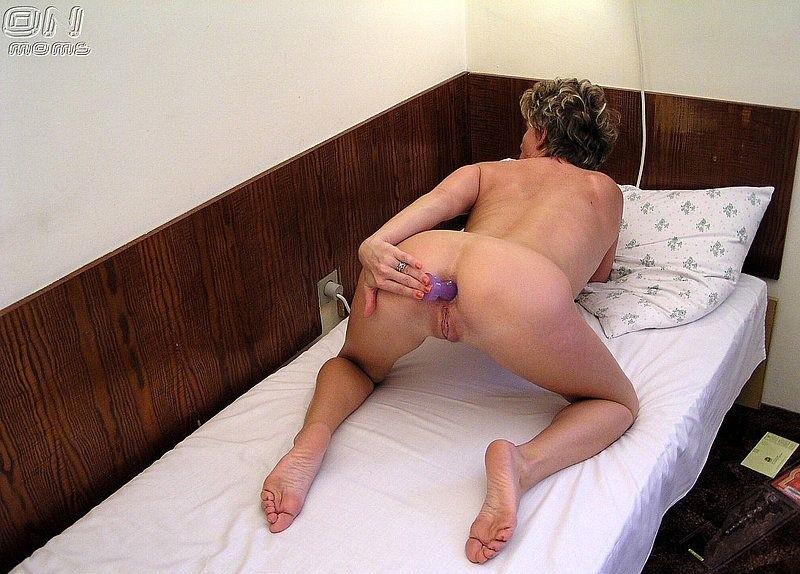 Анальный секс игрушкой фото 14