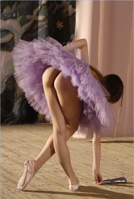 Попка балерины