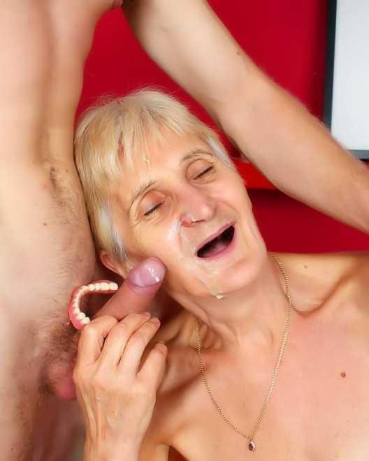 Старая бабку трахает своего внука фото 270-416
