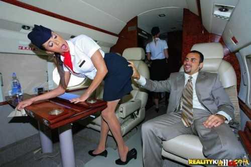 Соблазнил стюардессу на секс
