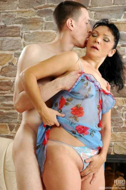 Теща дала секс фото 491-494